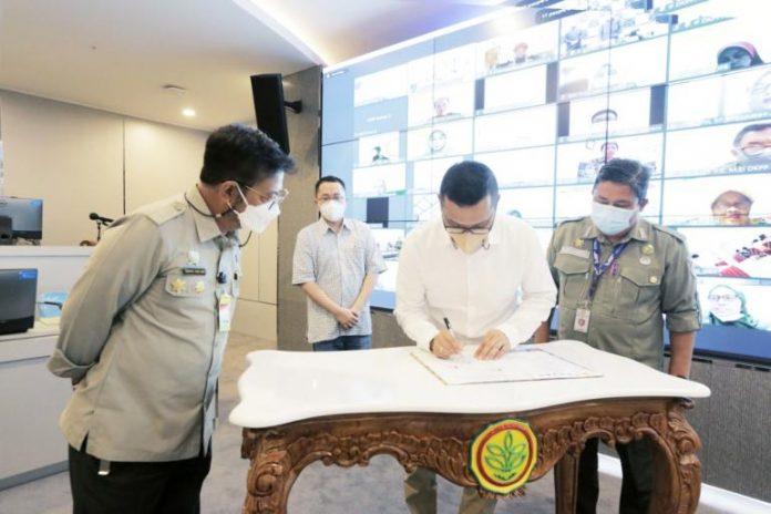 Menteri Pertanian RI, Syahrul Yasin Limpo saat menyaksikan penandatanganan MoU Lintas Stakeholder Optimalisasi Hulu-Hilir Agroindustri Hortikultura