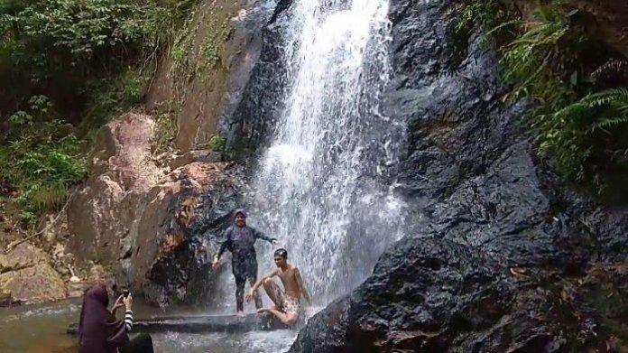 Air terjun Batu Arang, Kabupaten Ketapang